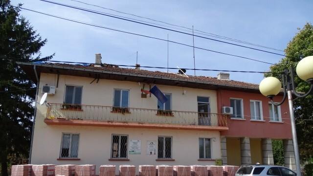 Община Гулянци ремонтира общински сгради за близо 50 000 лева