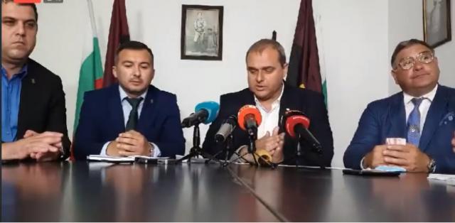 Искрен Веселинов: Държавата е длъжник на българското семейство. ВМРО инициира поредица от дискусии за Закона за социалните услуги (Видео)
