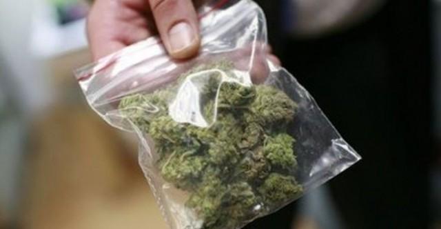 Спипаха 16-годишен плевенчанин с марихуана, криел дрогата в бельото си