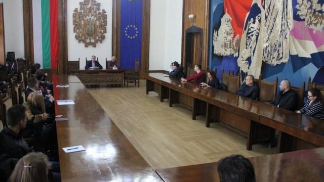 Плевенският кмет обсъди с търговските вериги мерки срещу разпространението на коронавируса
