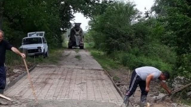 Възстановяват пътя към останките от лагера