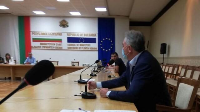 Кметът на Плевен: Членовете на СИК в Буковлък са подвластни на своите ромски лидери, клановете се договарят!