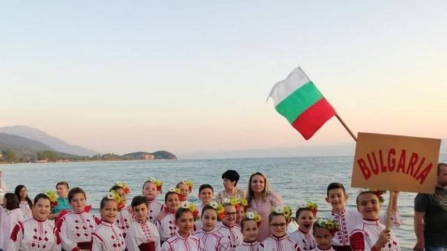 """Плевен: Най-малките танцьори на ФА """"Мизия"""" с отлично представяне в Охрид"""