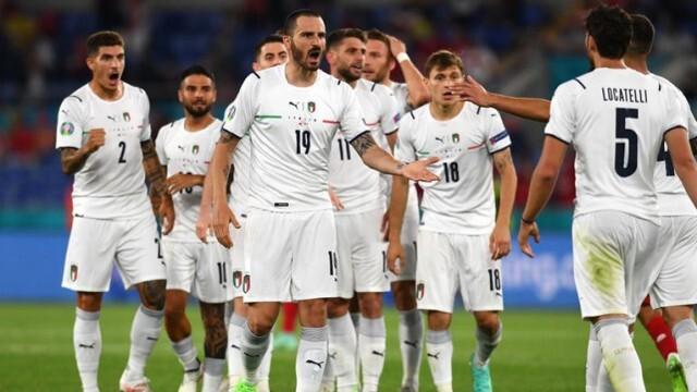 Италианска класика на старта на европейското по футбол