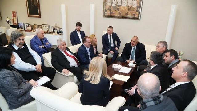 Борисов умиротвори превозвачите, протестът отпада