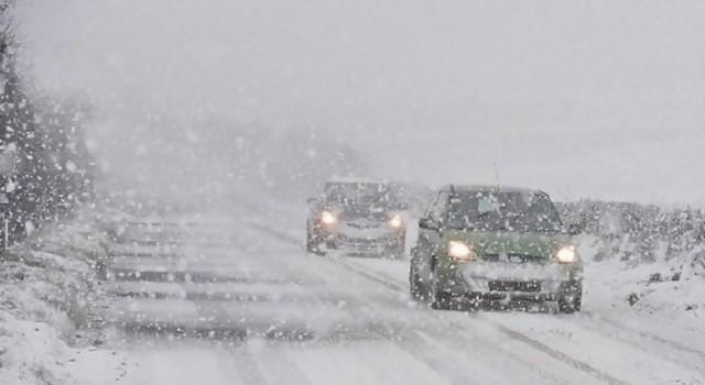 Типична зимна обстановка в Смолянско, въвеждат се ограничения за МПС над 12 т