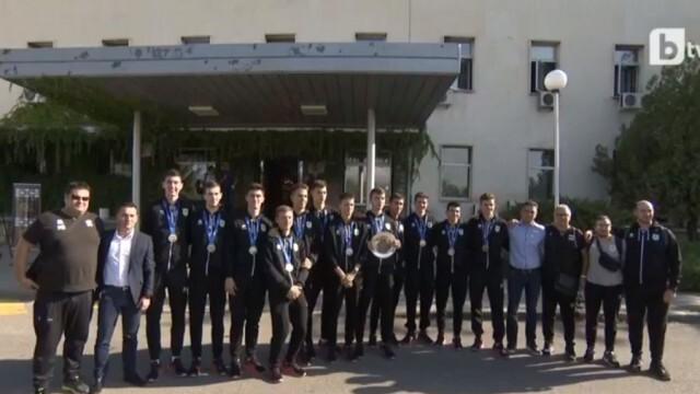 Националният юношески тим на България се завърна на родна земя със сребро от Световно първенство