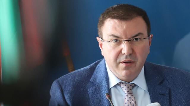Здравният министър в Ловеч: Мерките са задължителни и за президента, остава под карантина