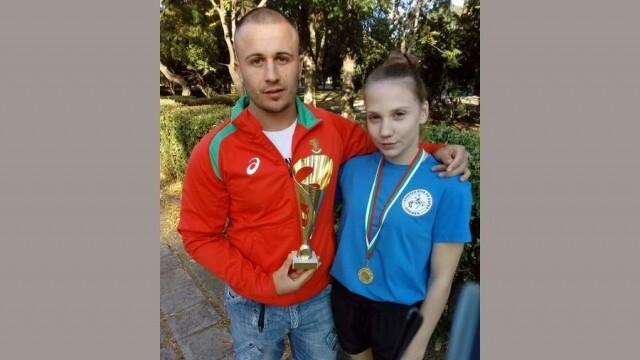 Плевенски състезателки с успехи на Републиканското по борба в Бургас