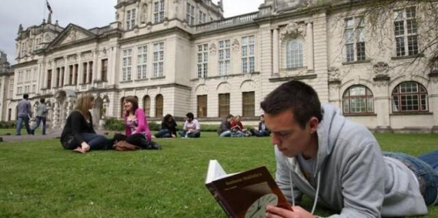 Удължават срока за кандидатстване в британските университети. Повече за таксите вижте тук