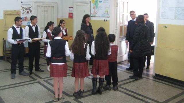 Представители на Европейската сметна палата посетиха училището в Бохот