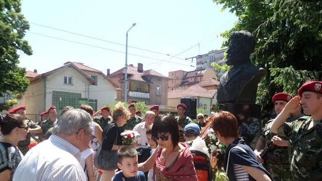 Плевен почете Ботев и героите, загинали за свободата на Отечеството ни