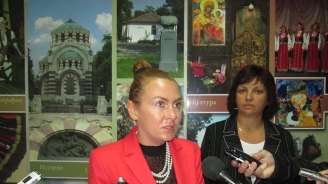 """Плевен: Зам.-министър Николова се запозна с напредъка на проектите по ОП """"Регионално развитие"""""""