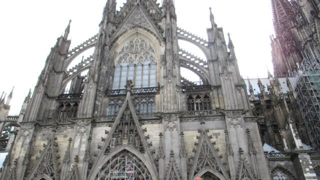 Кьолнската катедрала приема панахидата за загиналите във Френските Алпи