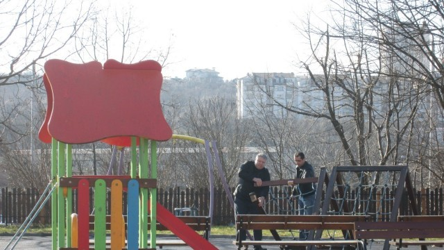 70 000 лева е струвал вандализма по детските площадки на Плевен