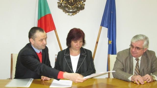 Плевен с първи подписан договор по програмата за безплатно саниране
