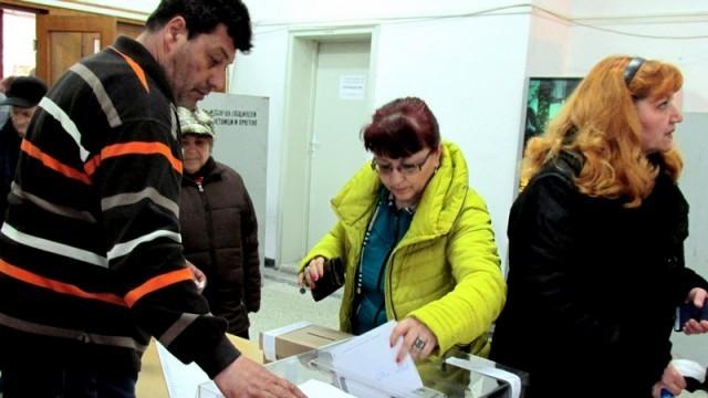 90 кандидати за депутати чакаха  доверието на над 119 000 силистренци