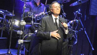 Хулио Иглесиас идва през май за концерт в