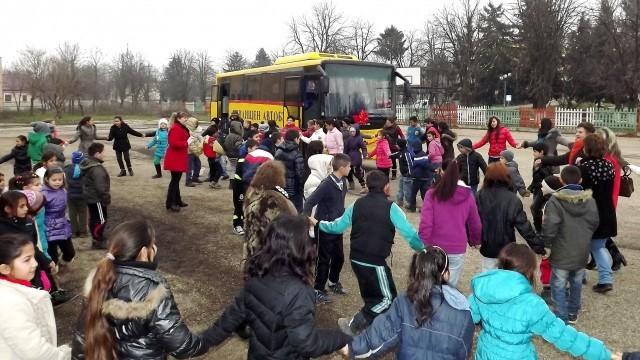 Силистра: Дариха нов автобус на училището в Професор Иширково