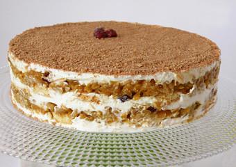 Бисквитена торта с тиква и ябълки без печене