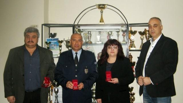 """Наградиха трима полицаи с приза """"Служител на годината 2014"""""""