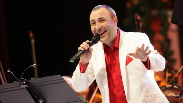 Руслан Мъйнов гостува на плевенска сцена с руски романси и песни