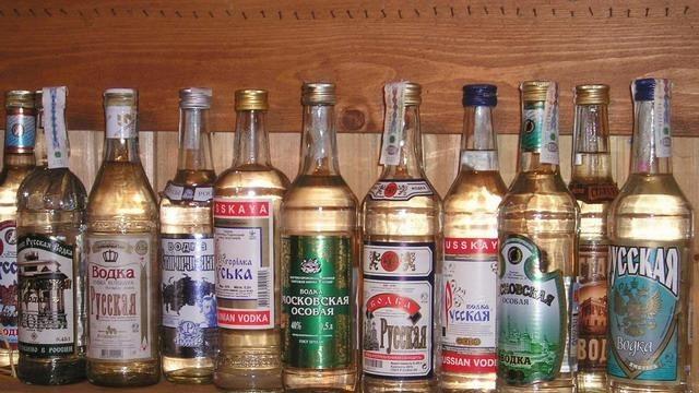 Русия свали цените на водката заради икономическата криза