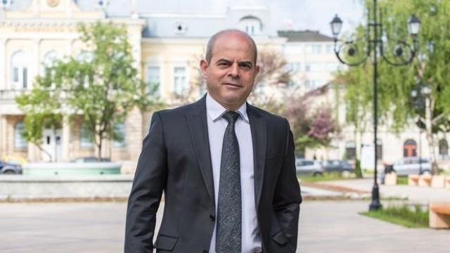 """Русе: Пламен Стоилов с награда """"Кмет на годината"""" за инвестиции и заетост"""