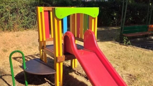 Нови пързалки за детските ясли в Ловеч
