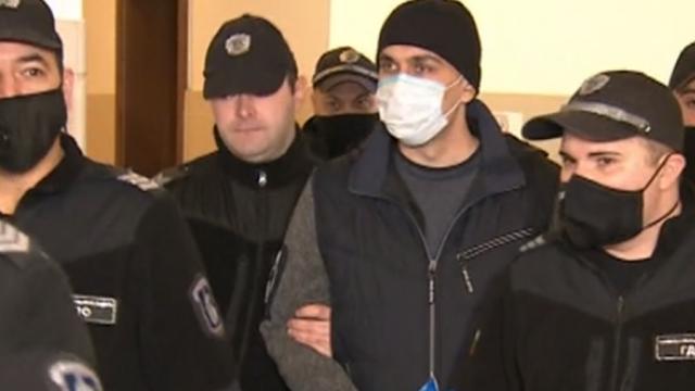 Прокуратурата поиска доживотен затвор за мъж, убил приятелката си и дъщеря им