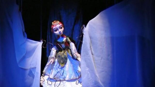 Онлайн спектакъл за децата предлага утре Кукленият театър