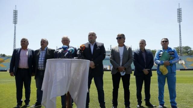 На всяко трето число от месеца футболните клубове в България трябва да правят PCR-тестове