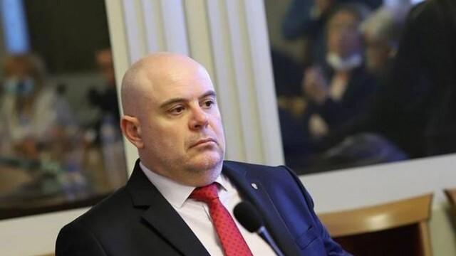Гешев отрече да е иззел старо разследване срещу министър на ГЕРБ