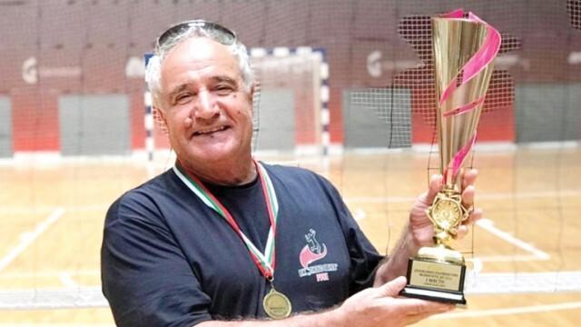 Волейболният треньор Сашо Тодоров: Възпитаваме шампиони въпреки липсата на пари, зали и график за тренировки