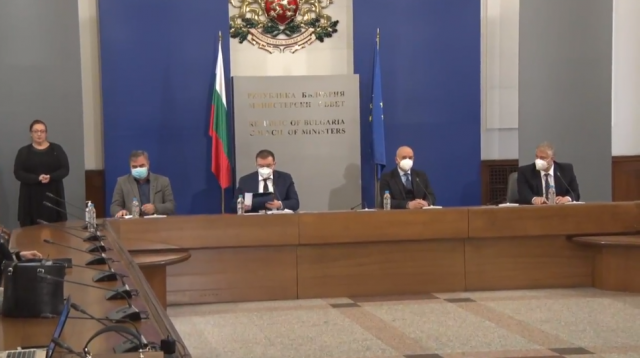 Здравният министър: Всеки български гражданин, който пожелае да бъде ваксиниран, ще получи ваксина, каквато пожелае