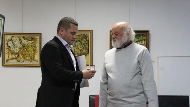Хрисанд Хрисандов получи златна  значка за 70-годишния си юбилей