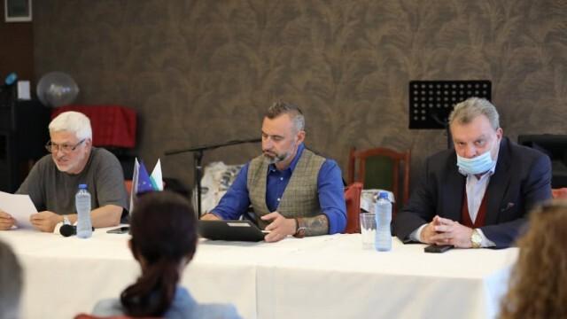 Калин Вельов изслуша проблемите на артисти и творци в Русе и Бяла