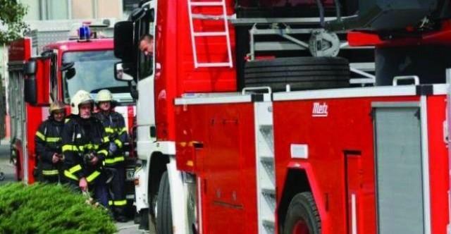Запалени контейнери и пожар в комин гасиха пожарникарите в Русенско