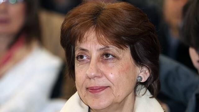 Ренета Инджова анализира кой е пратил Петков и Василев тук и ще спрат ли корупцията