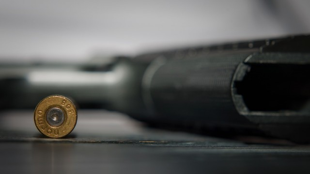Унгарците масово купуват оръжия - страхуват се от безредици