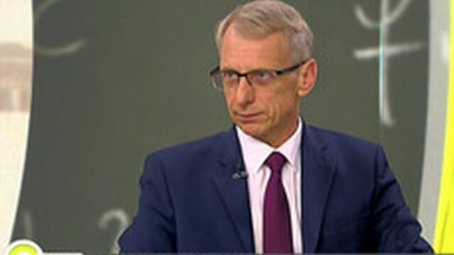 Николай Денков: До септември ваксинацията сред учителите трябва да достигне минимум 70%
