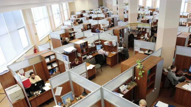 Деница Сачева със заповед за компенсациите за затворените бизнеси
