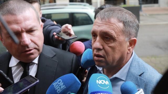Иван Ангелов на разпит в прокуратурата: Обърках се за фурмите