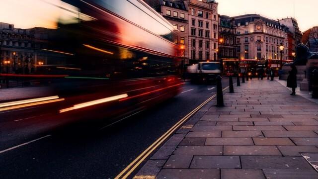 Великобритания пуска голям пакет стимулиращи мерки за иконимиката и работещите