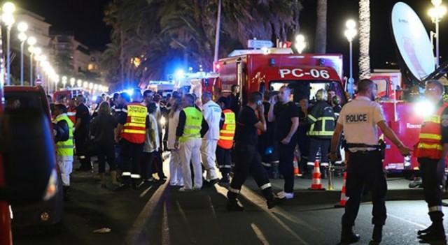 Франция: Камион се вряза в тълпа, има над 80 жертви