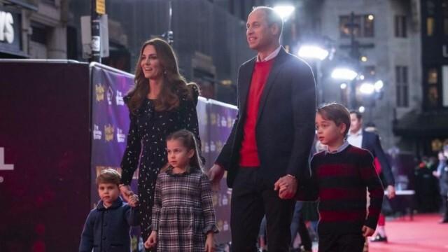 Като коледна картичка: Кейт и Уилям споделиха семейна снимка