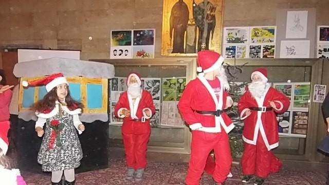 """Русе: """"Коледни чудеса"""" в Библиотеката"""