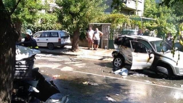 Дрогиран тираджия уби 28-годишна жена и помля 12 коли в центъра на Айтос (ВИДЕО)