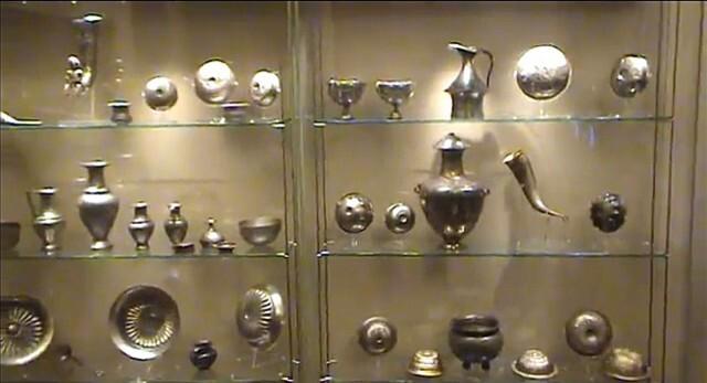 Иззеха нови 82 ценни предмета от колекцията на Васил Божков (СНИМКИ)