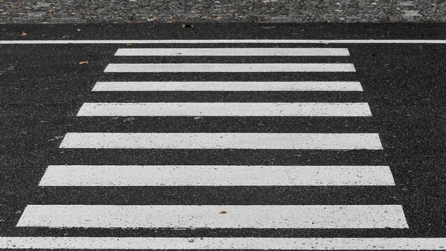 10-годишно момиче пострада при инцидент на пешеходна пътека